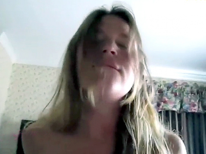 CrazyShit.com | IT'S CALLED 'COCK SLIDING' AND SHE'S MASTERED IT - Crazy Shit!->